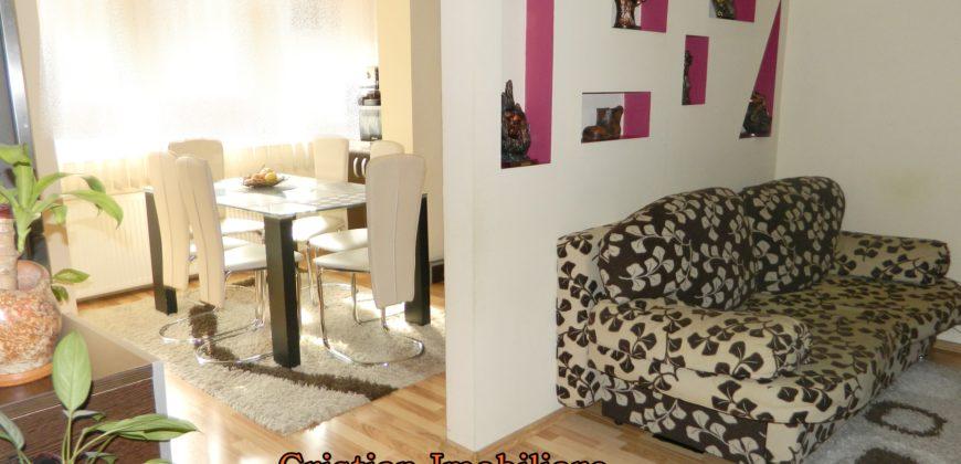 Apartament cu terasa de 50 mp, Cetate etaj 1, zona buna!