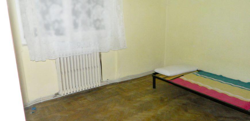 Apartament 2 camere etaj intermediar, 48 mp, Cetate-Bulevard, cu balcon