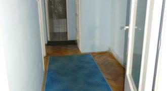 Apartament 3 camere decomandat Cetate-Mercur,etaj intermediar,izolat exterior