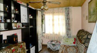 Apartament 2 camere parter, Cetate, bloc caramida
