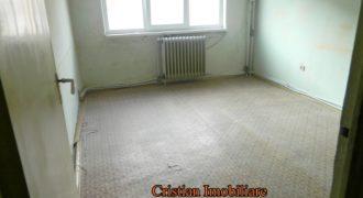 Apartament 2 camere, etaj intermediar, zona Bowling