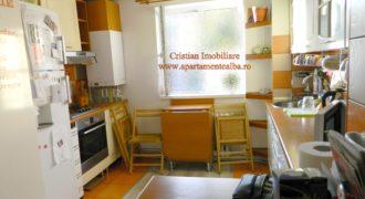 Apartament 3 camere bloc de caramida, etaj intermediar, Cetate