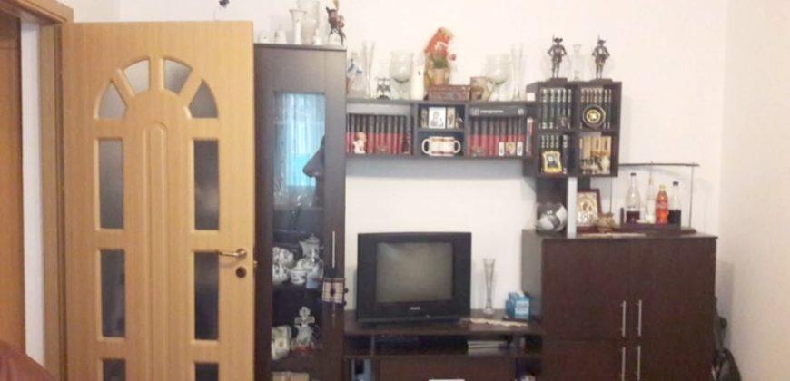 Apartament 2 camere , Cetate