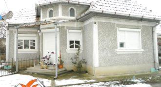 Casa renovata in Oiejdea-toate utilitatile!