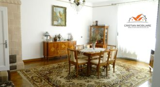 Apartament deosebit, 3 camere 120 mp, etajul 1, situat in vila zona Centru