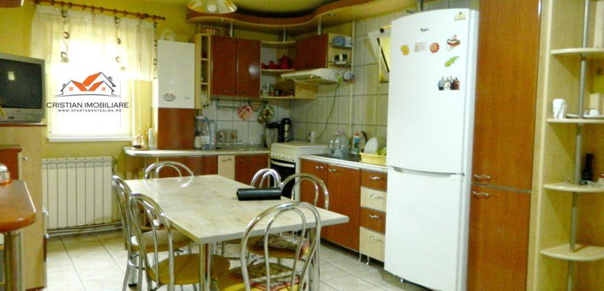 Apartament 3 camere decomandat,68 mp, zona Bowling !!!