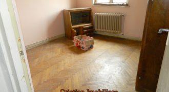 Apartament 2 camere, Cetate, etaj intermediar !!!