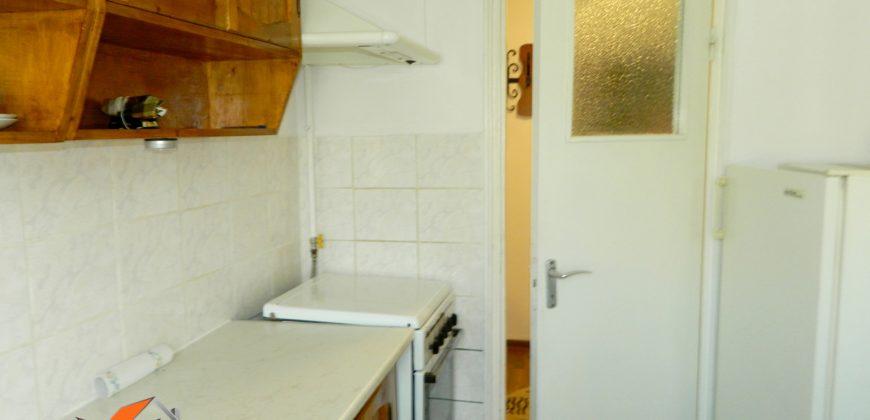 Apartament 2 camere decomandat, Cetate zona buna