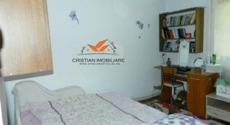 Apartament 4 camere decomandat, Cetate, 77 mp !