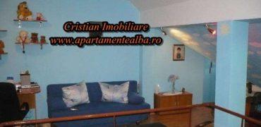 Apartament 3 camere decomandat, scara interioara, Cetate !!!