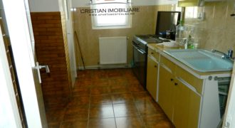 Apartament 3 camere, decomandat, 70 mp, Cetate zona Mercur