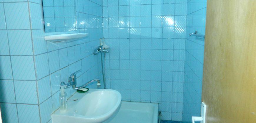 Apartament 3 camere, 2 bai, situat in Centru