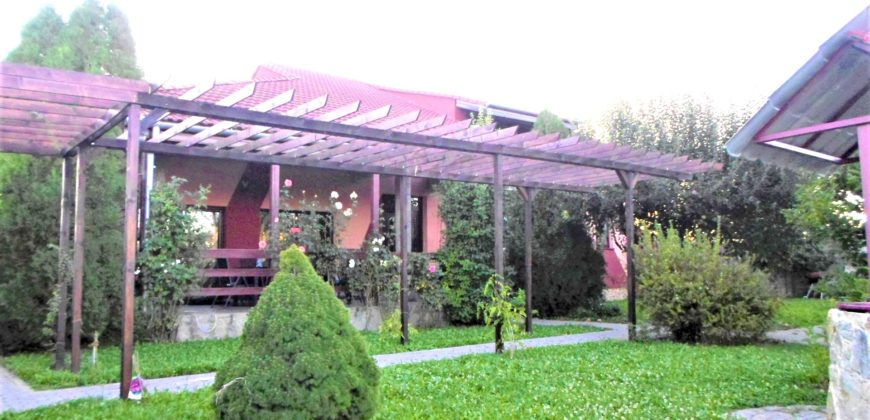 Casa individuala situata in Alba-Iulia, zona Ampoi 3, teren=1350mp