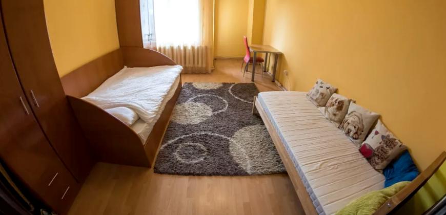 Apartament 4 camere, decomandat, Centru