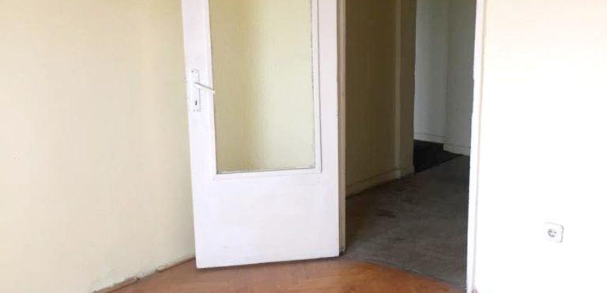 Apartament 3 camere decomandat, etaj intermediar, Centru