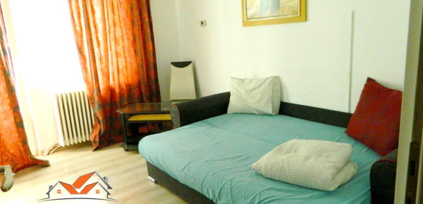 Apartament 2 camere, 50mp, Cetate-Bulevard cu balcon mare!