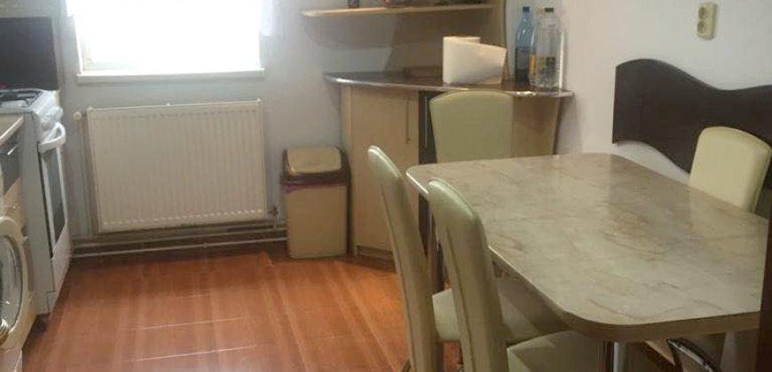 Apartament 4 camere, decomandat, Cetate zona Kaufland