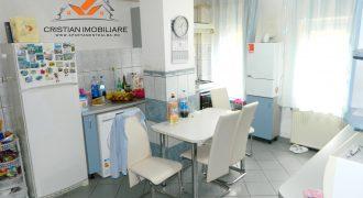 Apartament 3 camere decomandat, Centru, parter inalt, zona buna