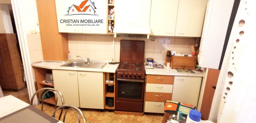 Apartament 2 camere decomandat, etaj 3, Cetate -Liceul Sportiv !!!