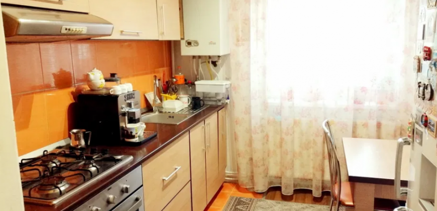 Apartament 3 camere 61 mp, Cetate zona Closca