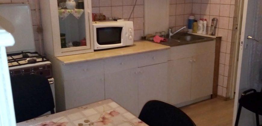 Apartament 3 camere decomadat, etaj intermediar, Ampoi