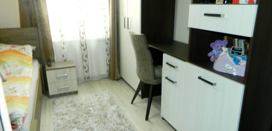 Apartament 2 camere decomandat, etajul 1, Ampoi 1
