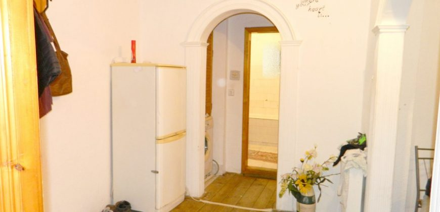 Apartament 2 camere decomandat, etajul 1, Ampoi 3 !