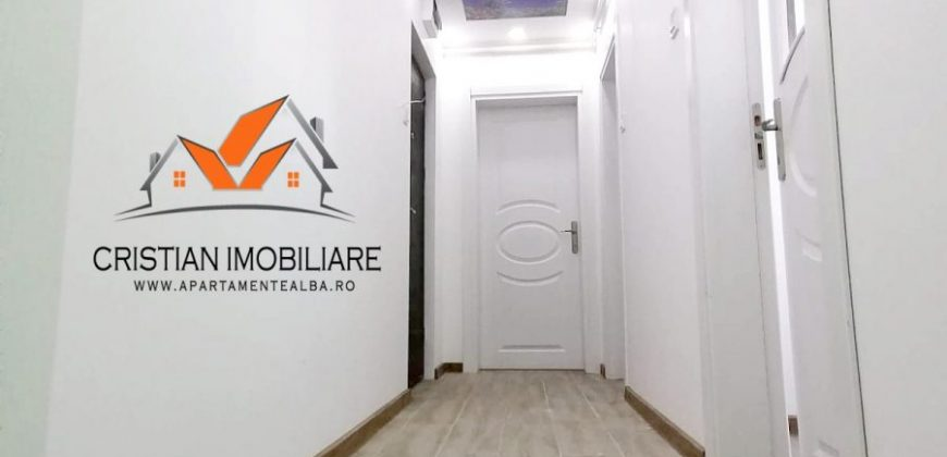 Apartament 2 camere Cetate zona Piata , etaj intermediar