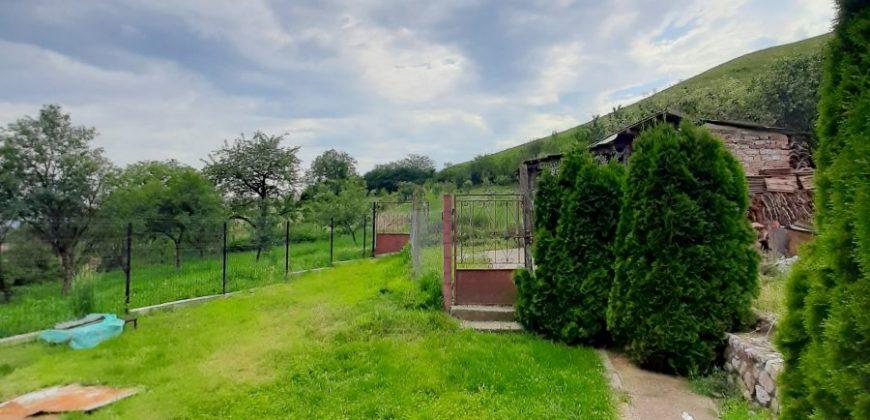 Casa individuala si teren in suprafata de 1400 mp, Paclisa