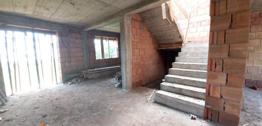 Case cuplate 120 mp utili, Alba Iulia, Cetate Kaufland