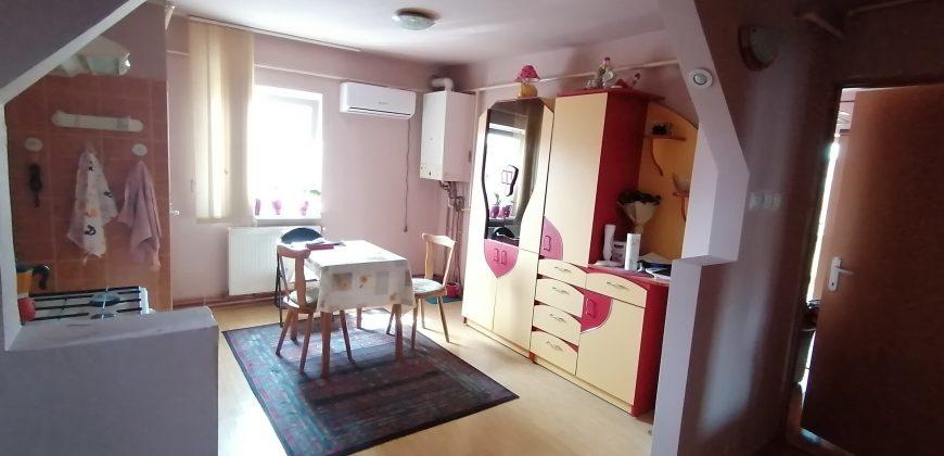 Apartament 2 camere, decomandat zona Stadion