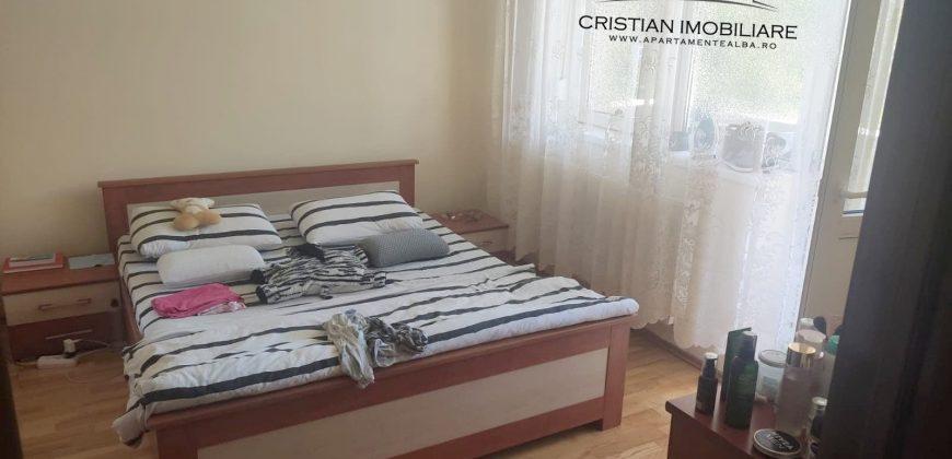 Apartament 2 camere decomandat, Centru, etajul 1