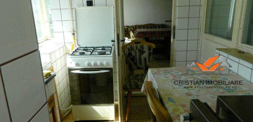 Apartament 3 camere Cetate-Stadion,etaj 2,mobilat,utilat