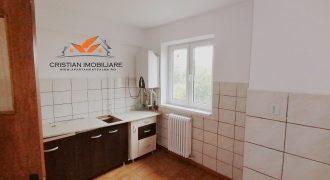 Apartament 3 camere decomandat Cetate-Closca