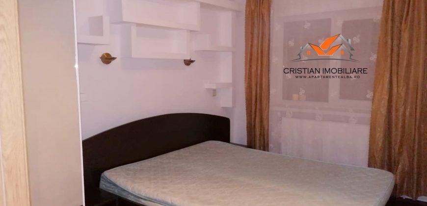Apartament 3 camere decomandat , etaj intermediar, Cetate-Mercur