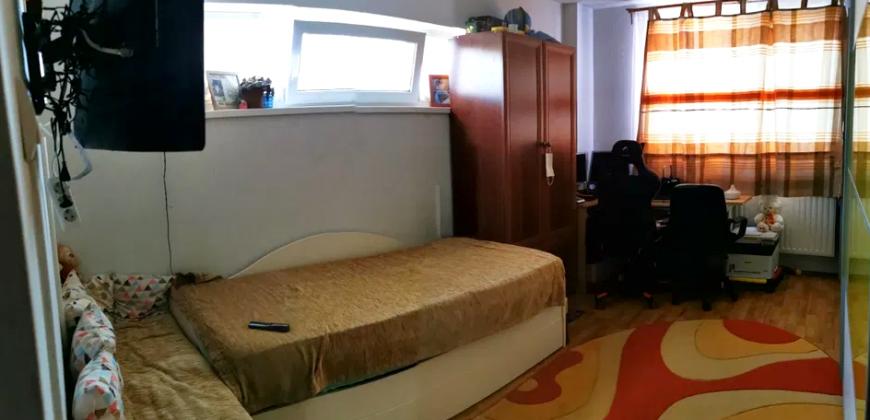 Apartament 3 camere, Centru, bloc nou