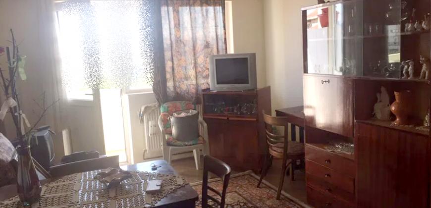 Apartament 3 camere decomandat, Centru, etaj intermediar!