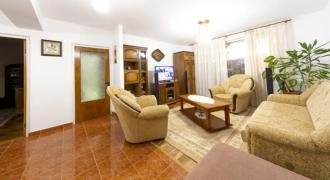 Apartament 4 camere decomandat Cetate, foste proprietati,etaj intermediar
