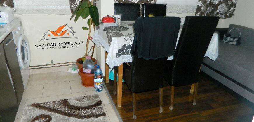 Apartament 3 camere(modificat in 2 camere) Cetate ,mobilat,utilat