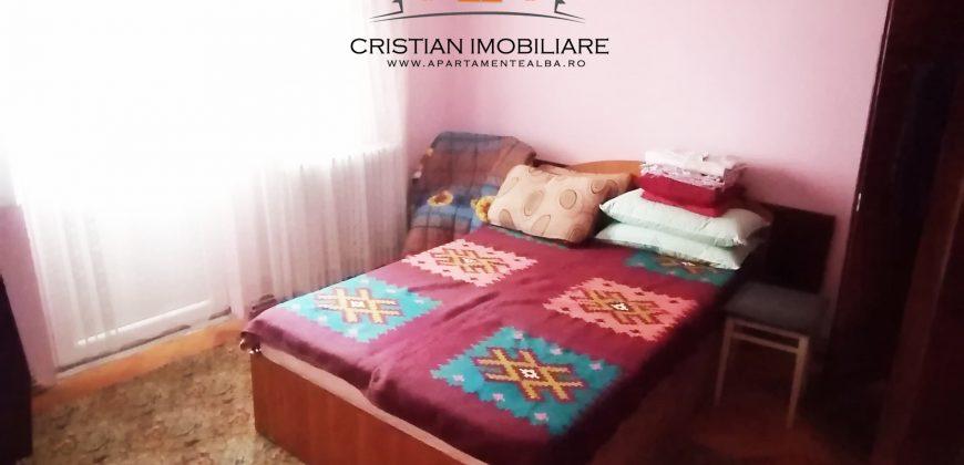 Apartament 3 camere, 2 balcoane, decomandat, Cetate-Mercur!