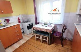 Apartament 3 camere cu 2 balcoane, decomandat, Cetate-Mercur
