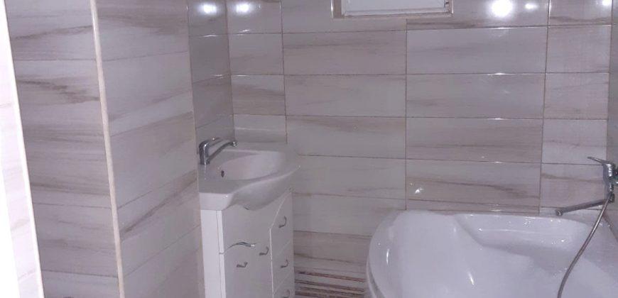 Apartament 3 camere decomandat, finisat, Cetate-Mercur!