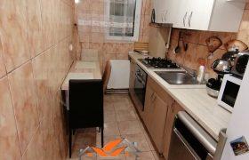 Apartament 2 camere, Cetate, etajul 2
