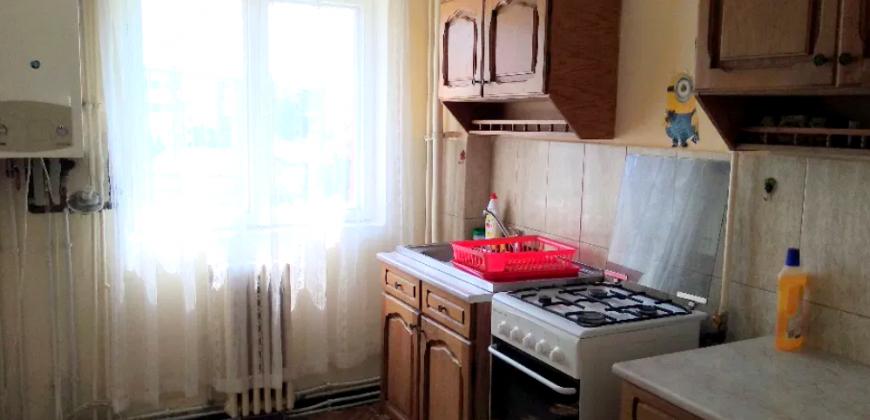 Apartament 2 camere decomandat, zona Cetate-Piata