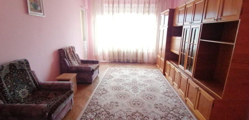 Apartament 3 camere foste proprietati Cetate-Closca