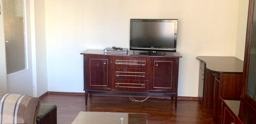 Apartament 3 camere decomandat, Cetate – Mercur, etajul 1