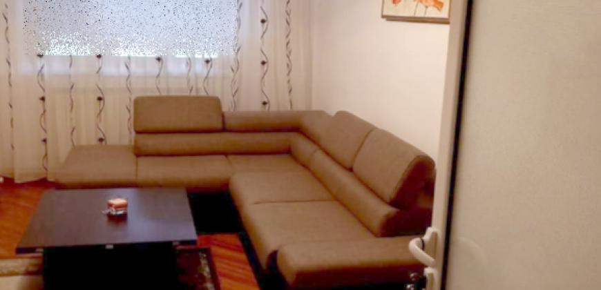 Apartament 3 camere decomandat, Cetate-Piata