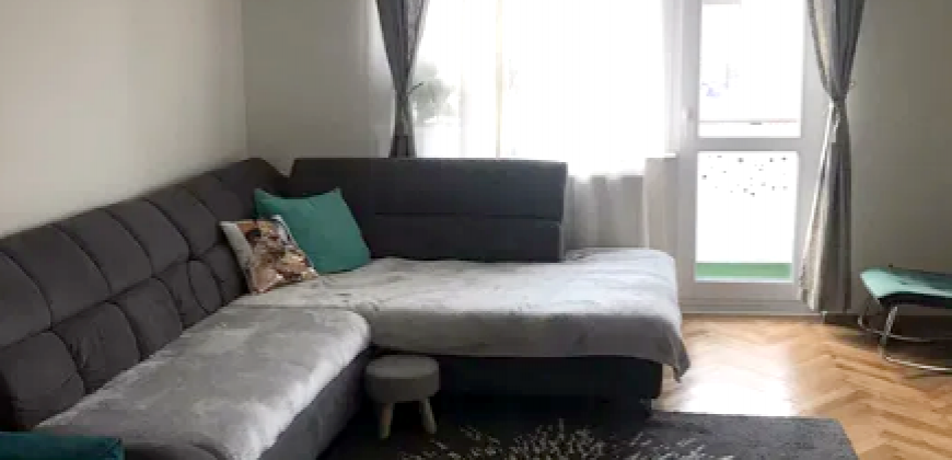 Apartament 3 camere decomandat, etajul 2, Cetate-Piata