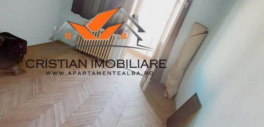 Apartament 2 camere Cetate, bloc cu lift, etaj intermediar