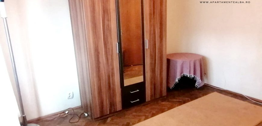 Apartament cu 2 camere decomandat, Cetate-Sptital, etajul 1